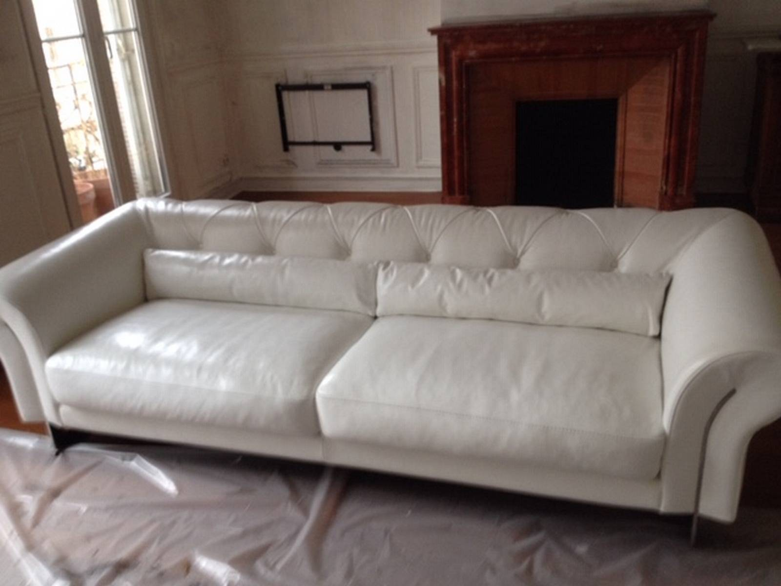 Canapé Cuir Blanc Qui Jaunit rénovation d'un canapé en cuir blanc abîmé lors d'un