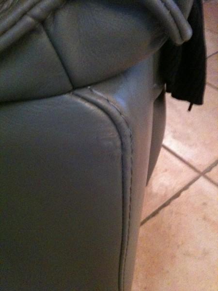 taches sur cuir canap cuir vieilli tches with taches sur. Black Bedroom Furniture Sets. Home Design Ideas