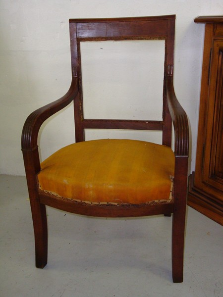 Tapisserie ammeublement fauteuil chaise berg re for Chaise voltaire